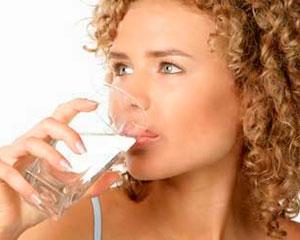 Beneficios de ingerir agua caliente