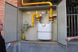 Ablandamiento y fugas de empaquetaduras que ocasionan corrosión al sistema de boiler industrial